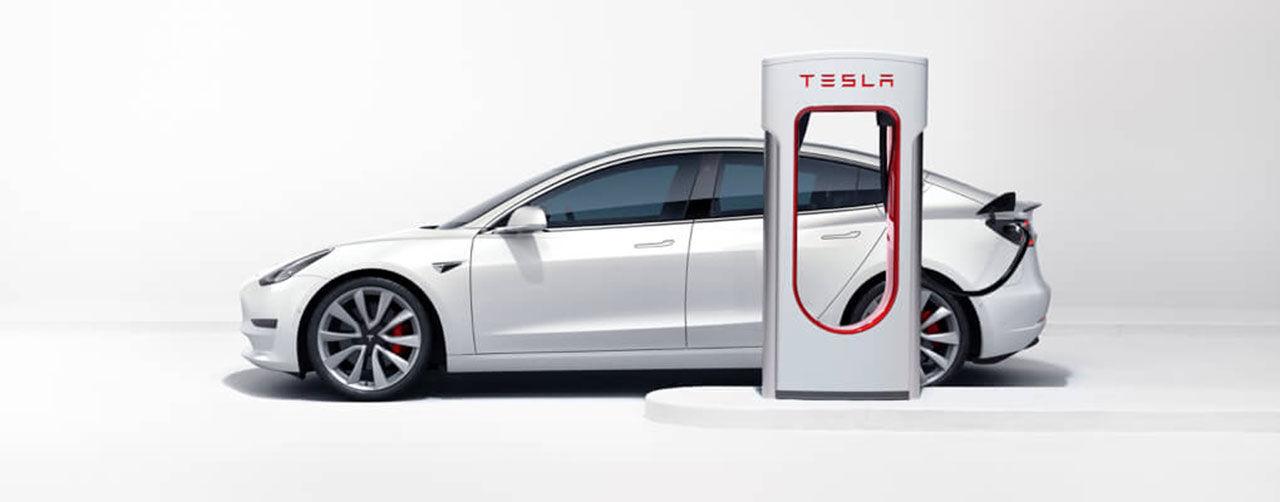 Priset för att ladda på Teslas Superchargers höjs