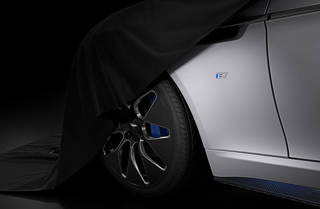 Aston Martins eldrivna Rapide E rör på sig