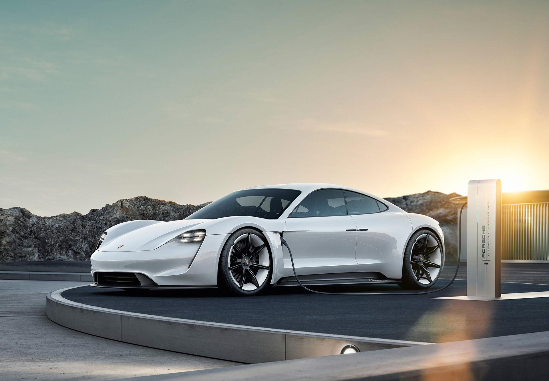 Porsche Taycan-köpare i USA får gratis laddning i tre år