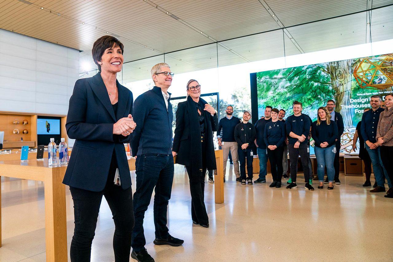 Apple tappar Apple Store-chef