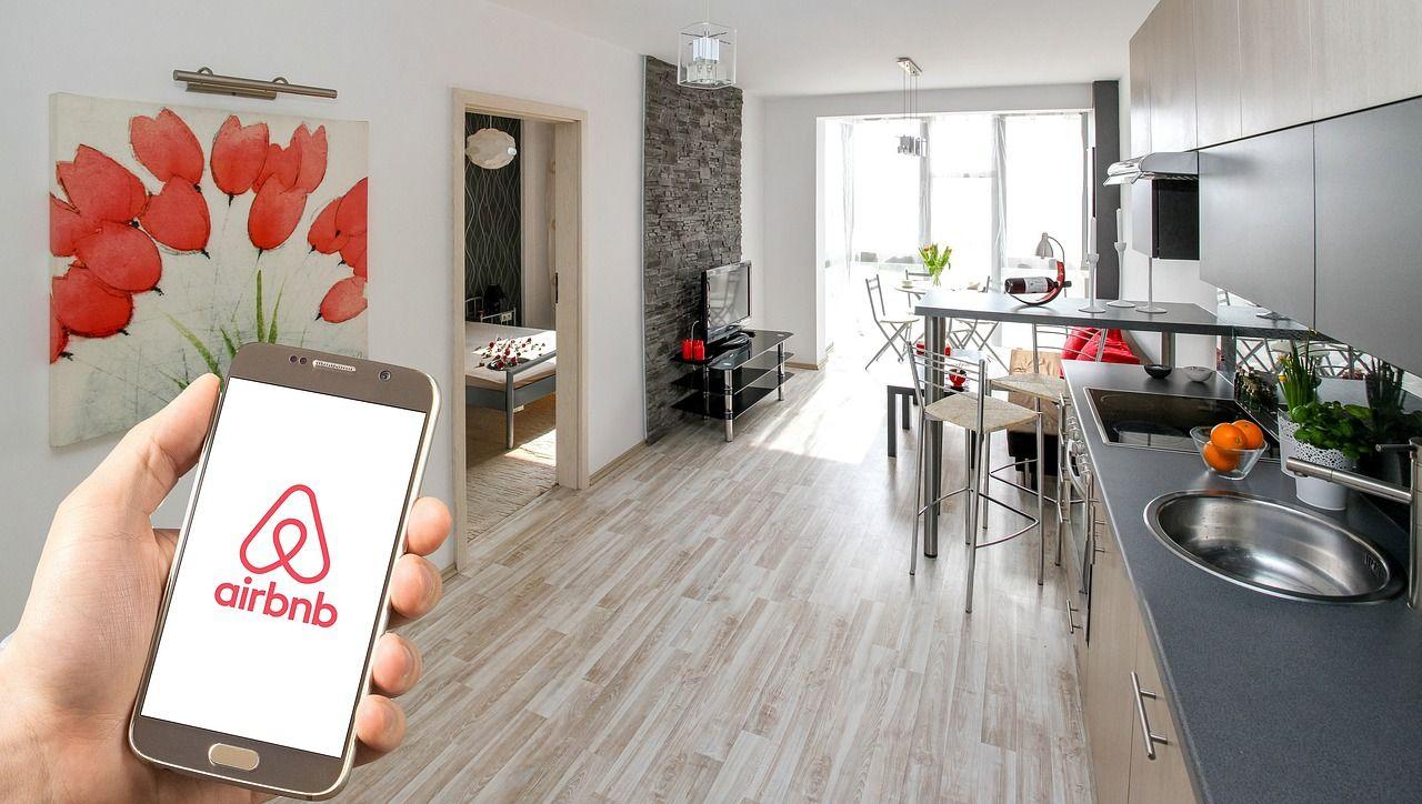 Åk på charter med Airbnb