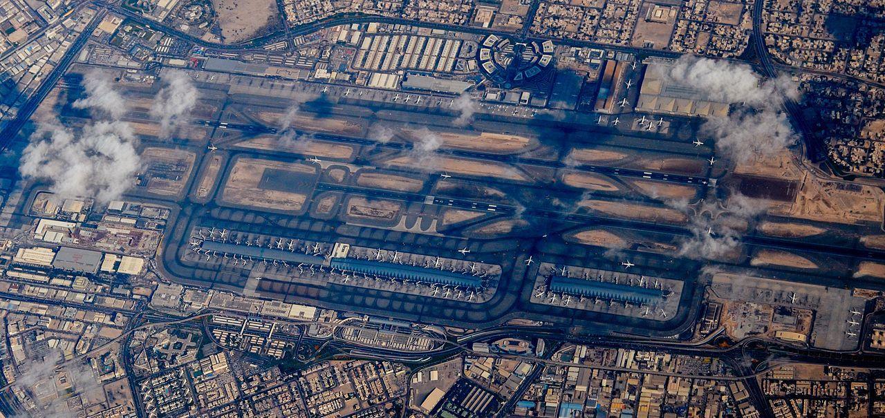 Drönare stängde ner världens tredje största flygplats