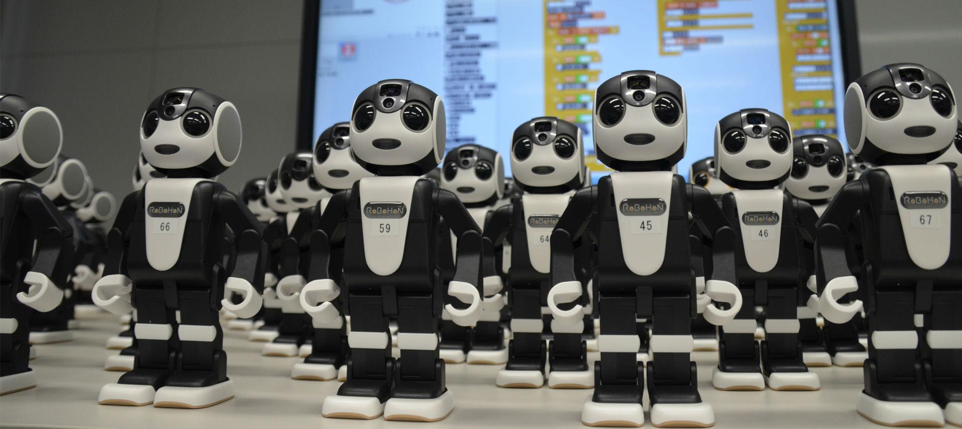 Sharp presenerar ny version av roboten RoBoHoN