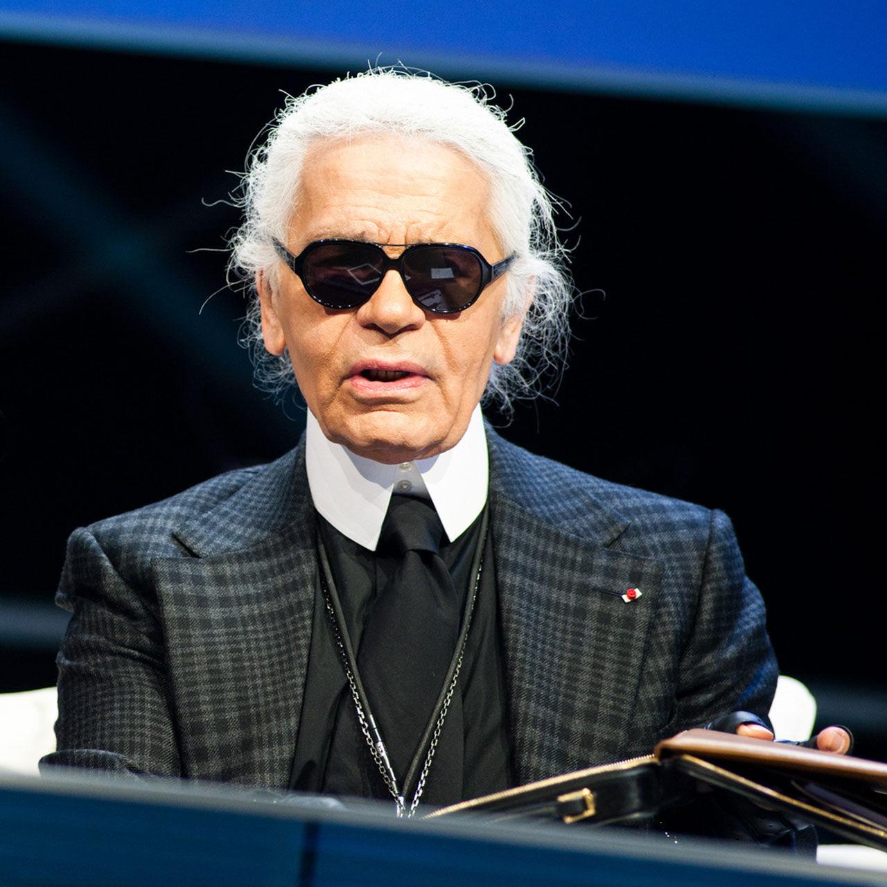 Modedesignern Karl Lagerfeld har gått bort