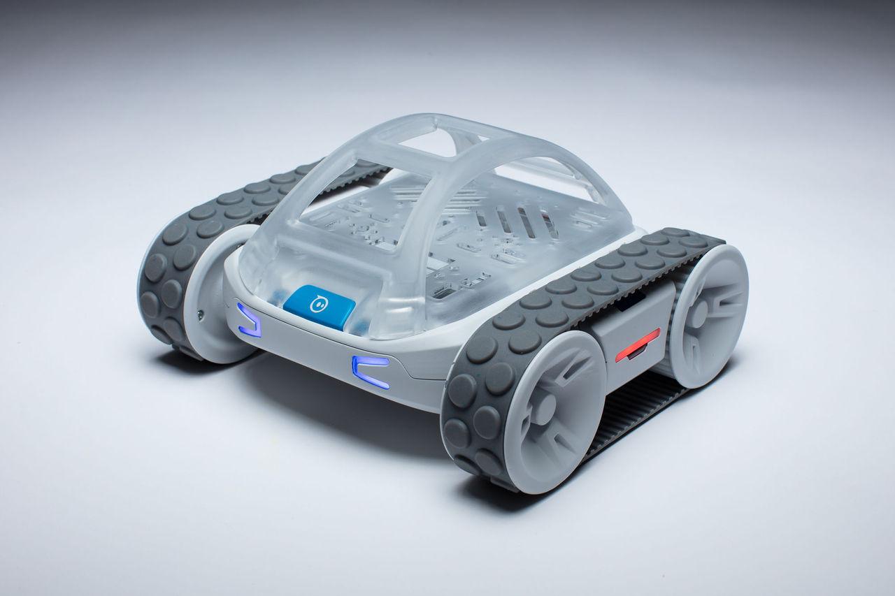 Sphero RVR är en radiostyrd bil man kan programmera själv