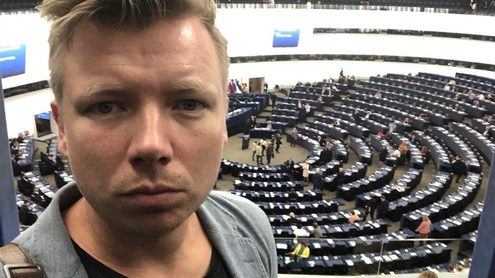 Journalist crowdfundar reportageresa om EU:s copyrightdirektiv