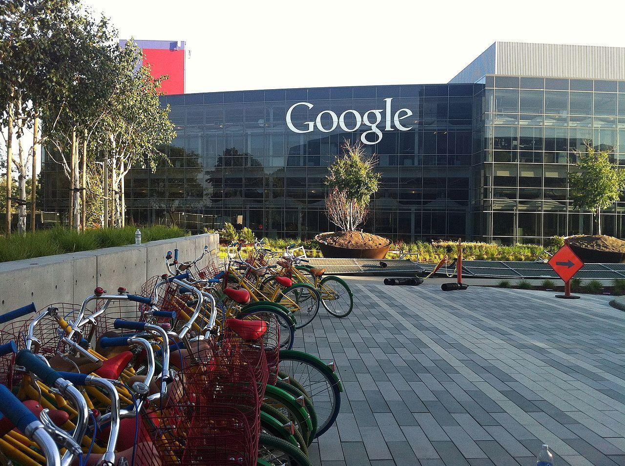 Google betalade 105 miljoner dollar för att bli av med två chefer