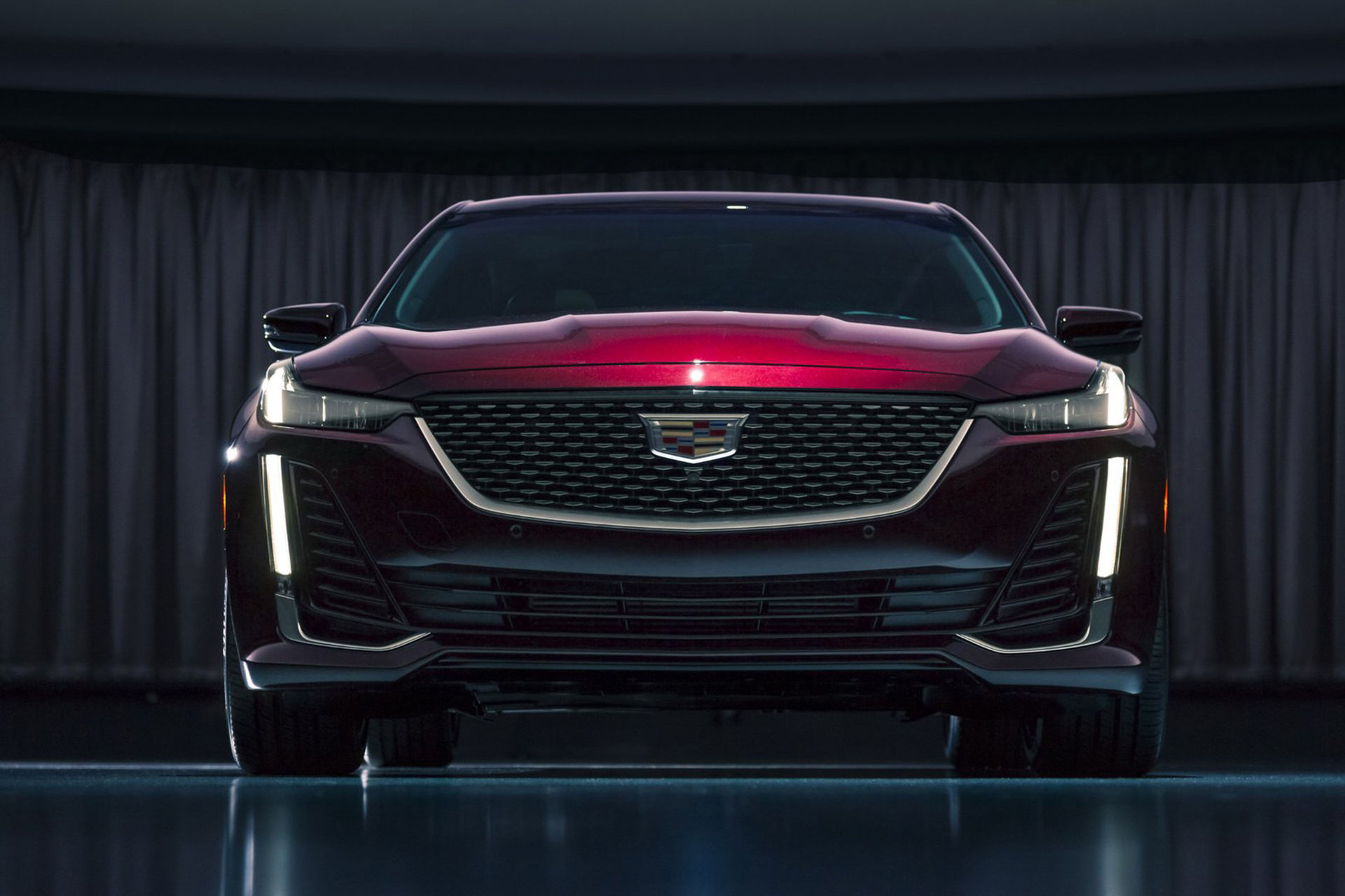 Cadillac presenterar CT5