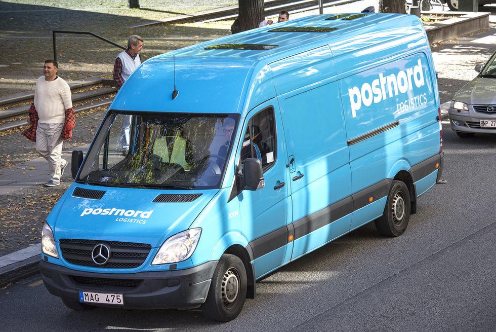 Postnord ska börja lämna paket vid dörren