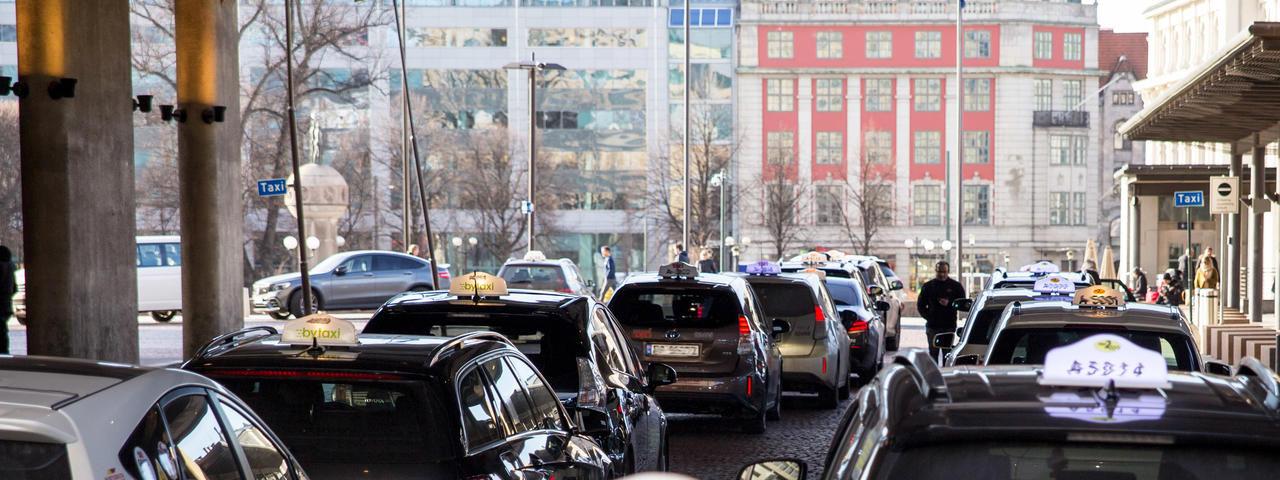 Oslo fixar trådlösa laddningsstationer för eldrivna taxibilar