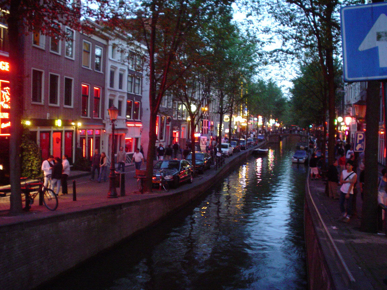 Amsterdam förbjuder turer till Red Light District