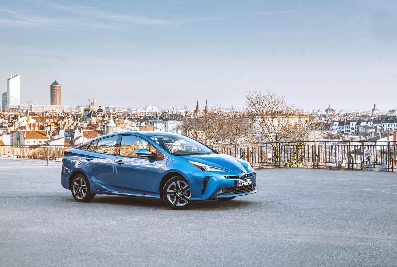 Toyota ger bort 24.000 patent som handlar om elbilar