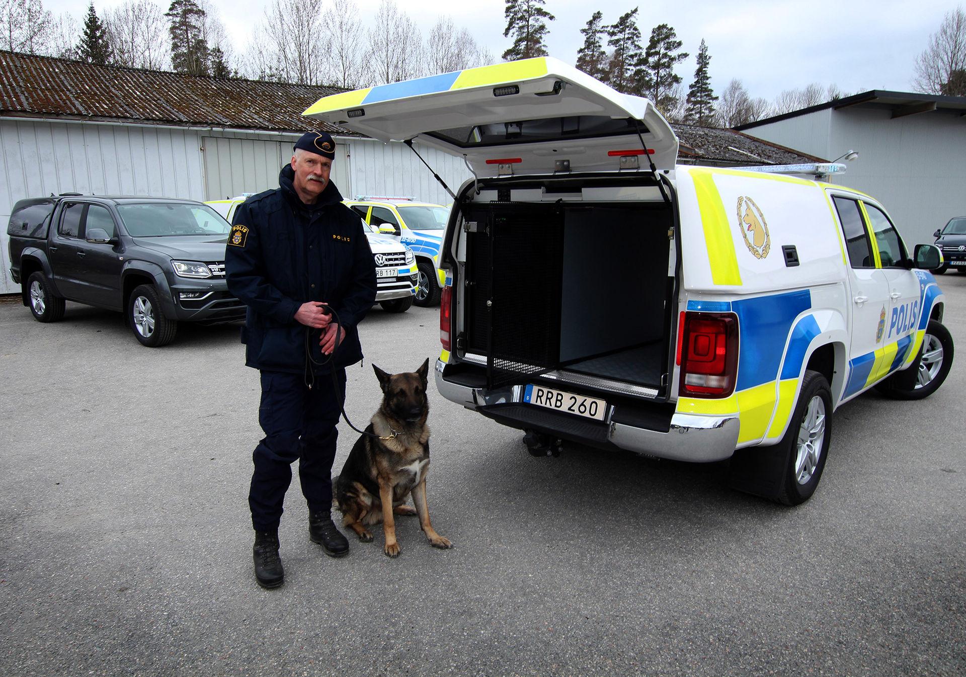 Polisens hundpatruller börjar köra Volkswagen Amarok