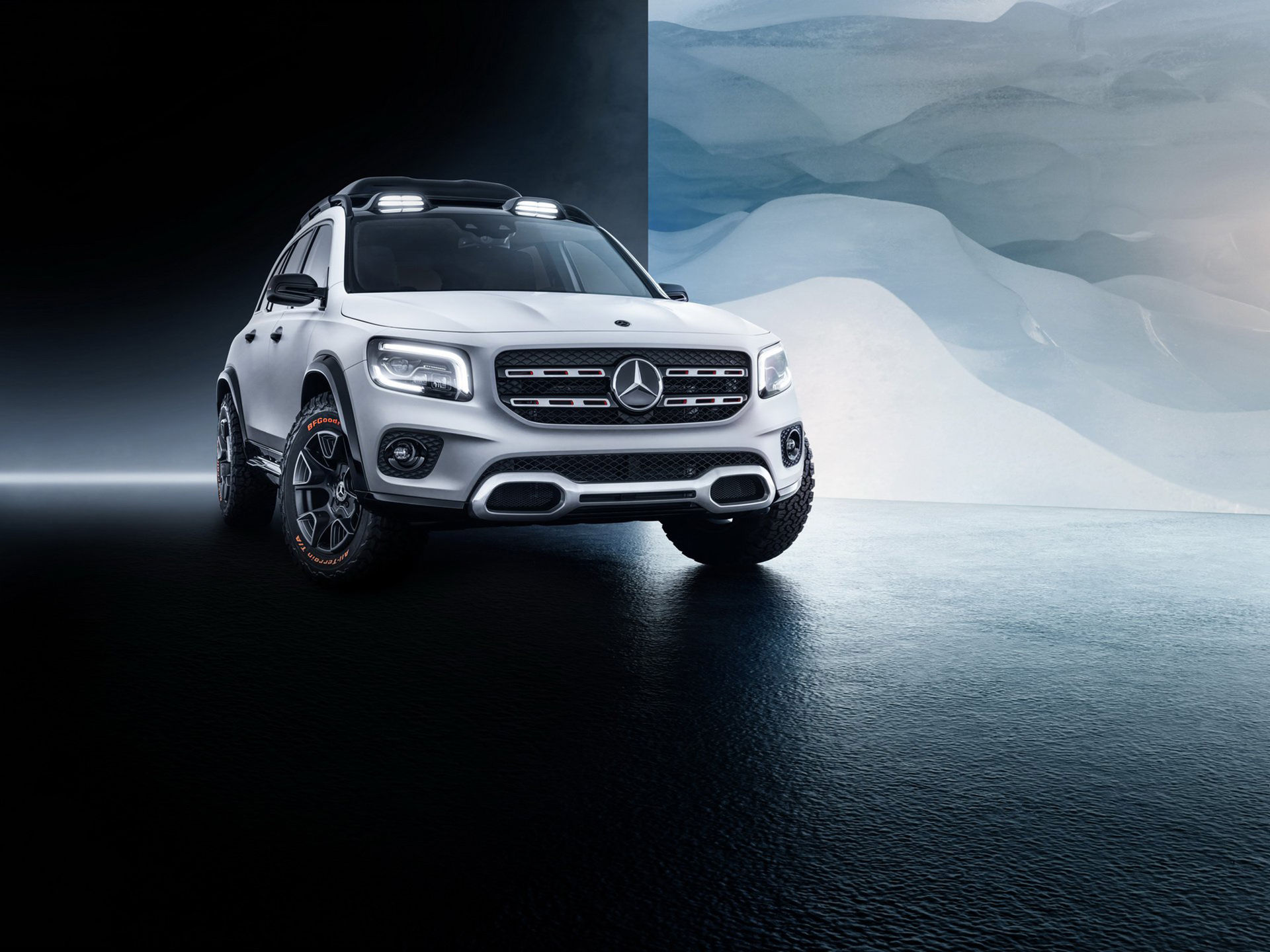 Det här är Mercedes kompakta SUV GLB