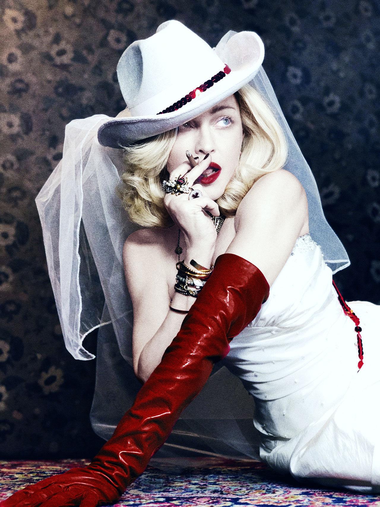 Madonna släpper nytt album