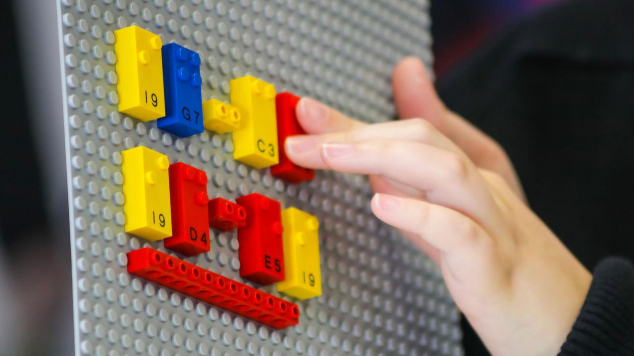 LEGO visar upp braille-byggsats