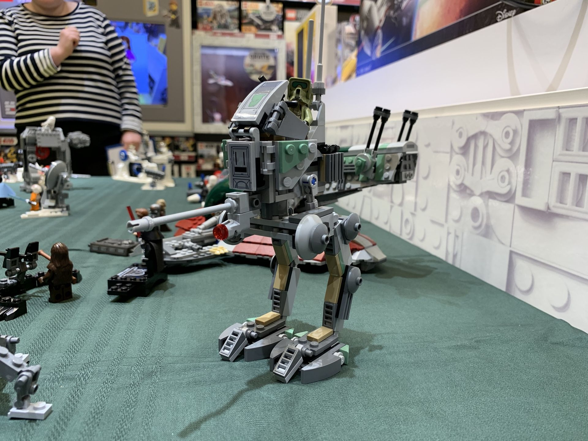 Vi har kollat in nya Star Wars-Legot