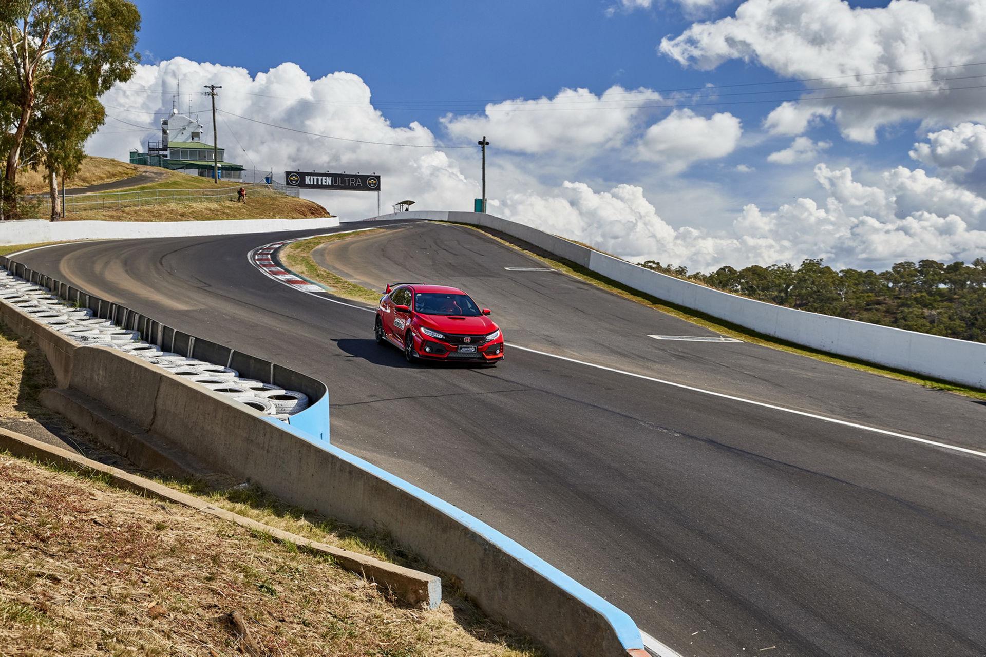 Honda Civic Type R är snabbaste framhjulsdrivna på Bathurst