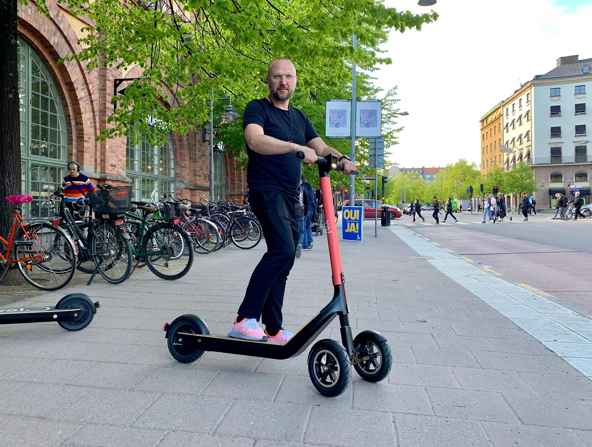 Vi har kollat in Vois nya elscooters
