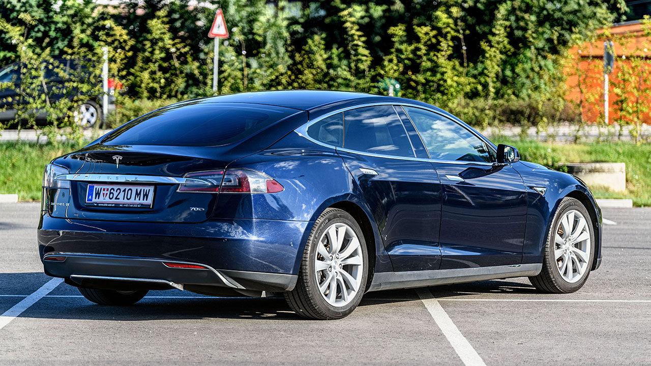 Tesla uppdaterar mjukvaran till batteripacken
