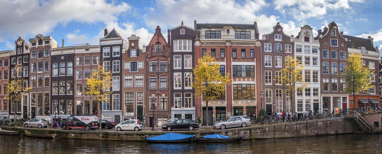 Amsterdam vill bannlysa bensinbilar i stan