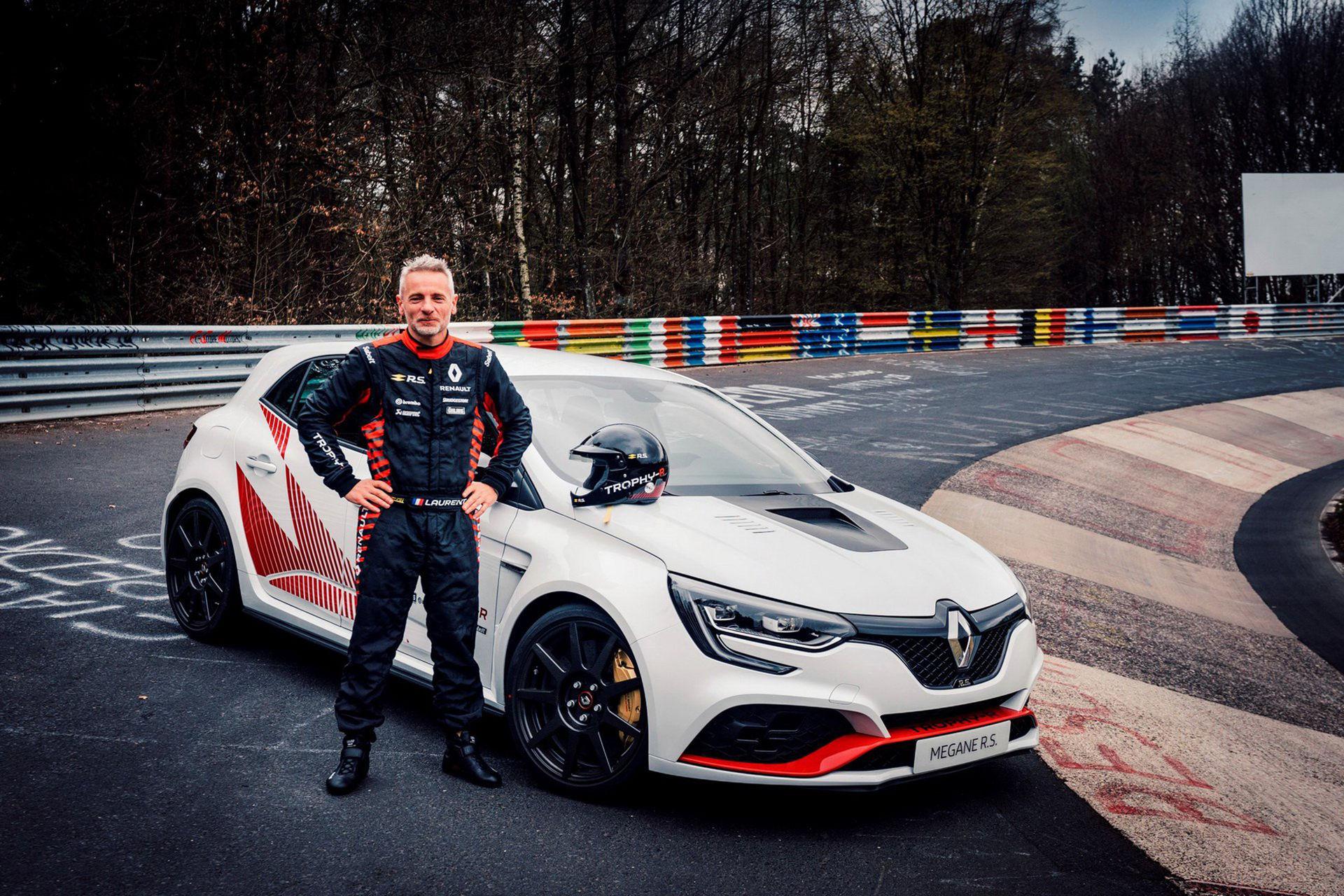 Renault Megane RS Trophy-R slår rekord på Ringen