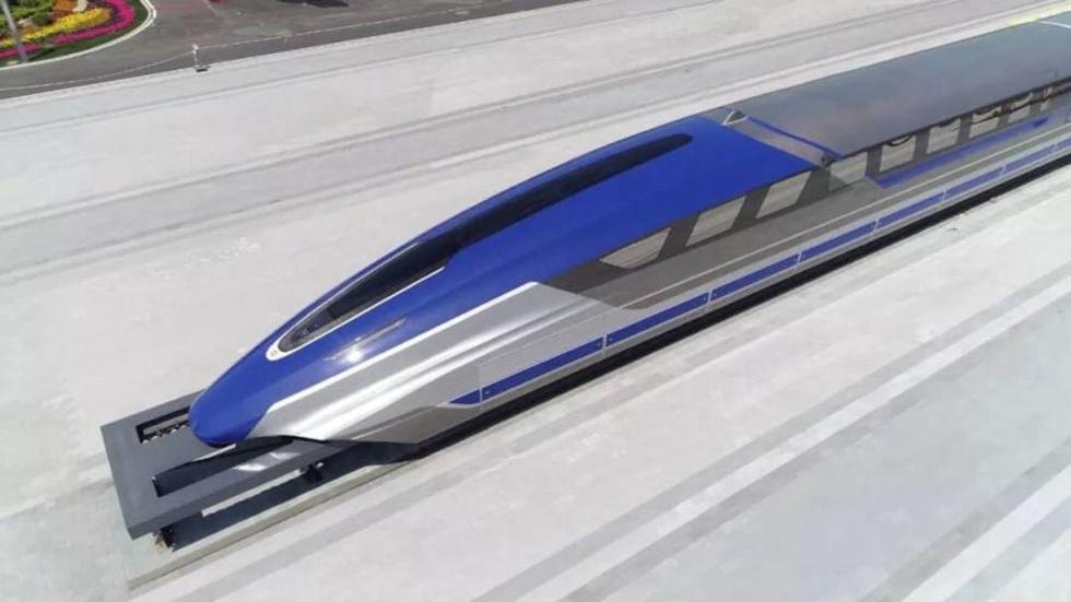Kina visar upp nytt maglev-tåg