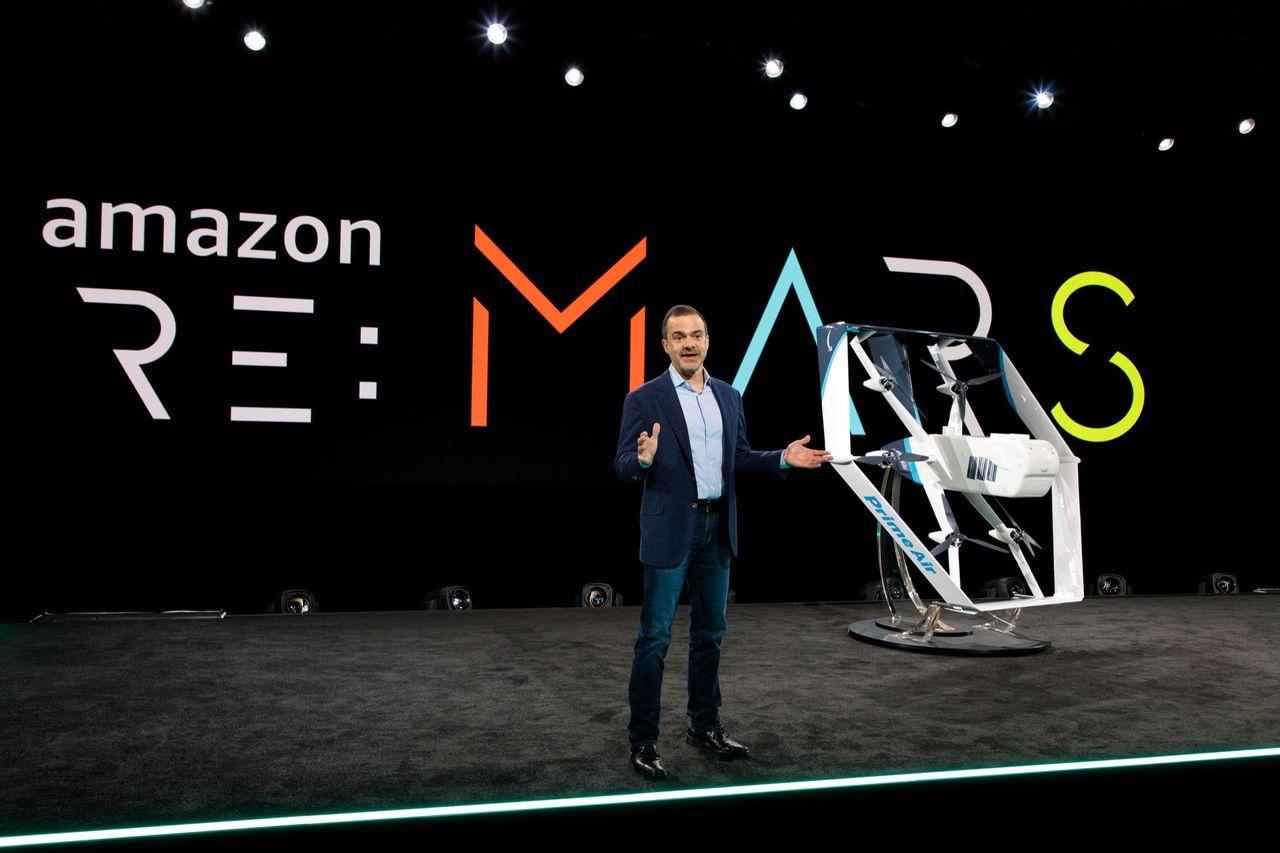 Amazon visar upp ny drönare