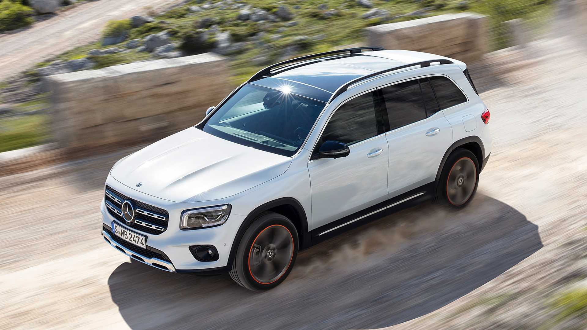 Mercedes presenterar sjusitsiga suven GLB