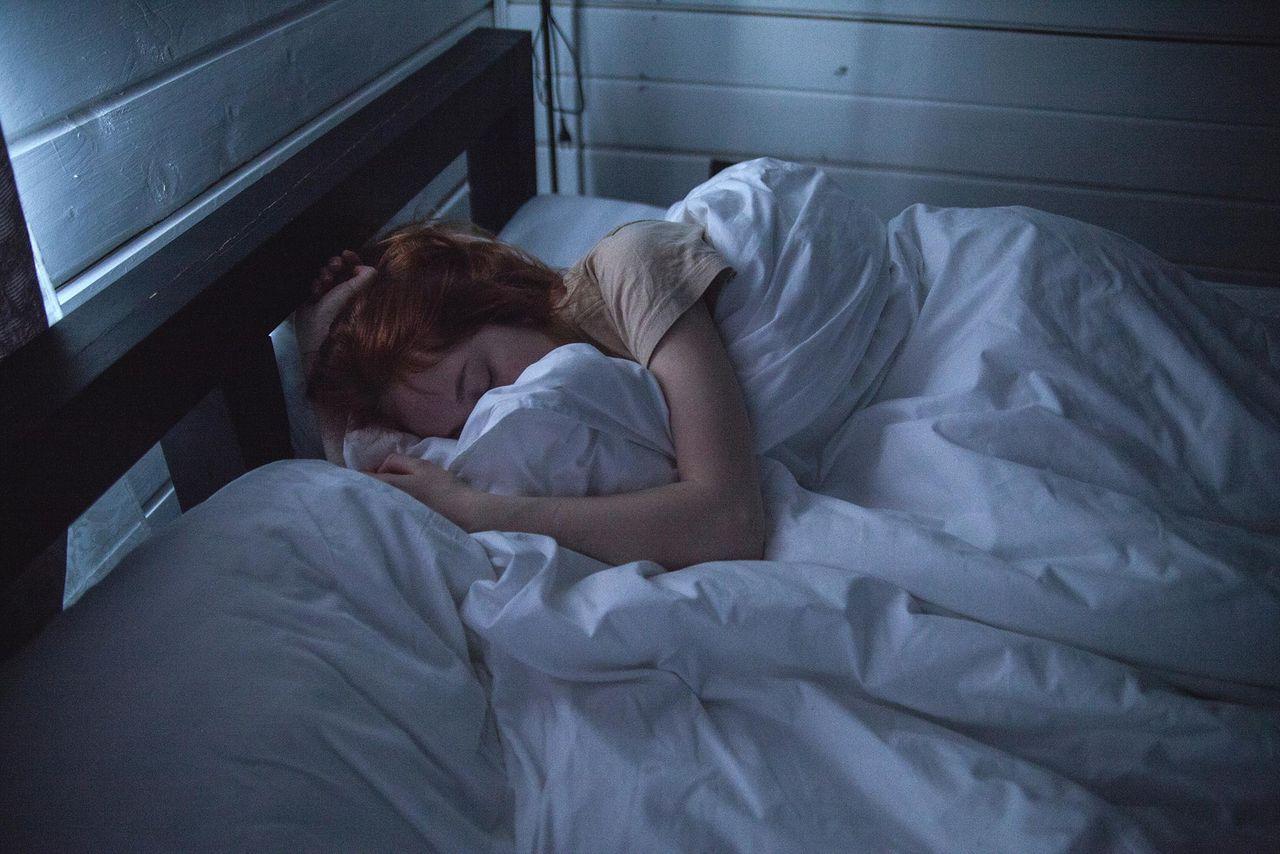 Att sova med tvn på ger risk för fetma