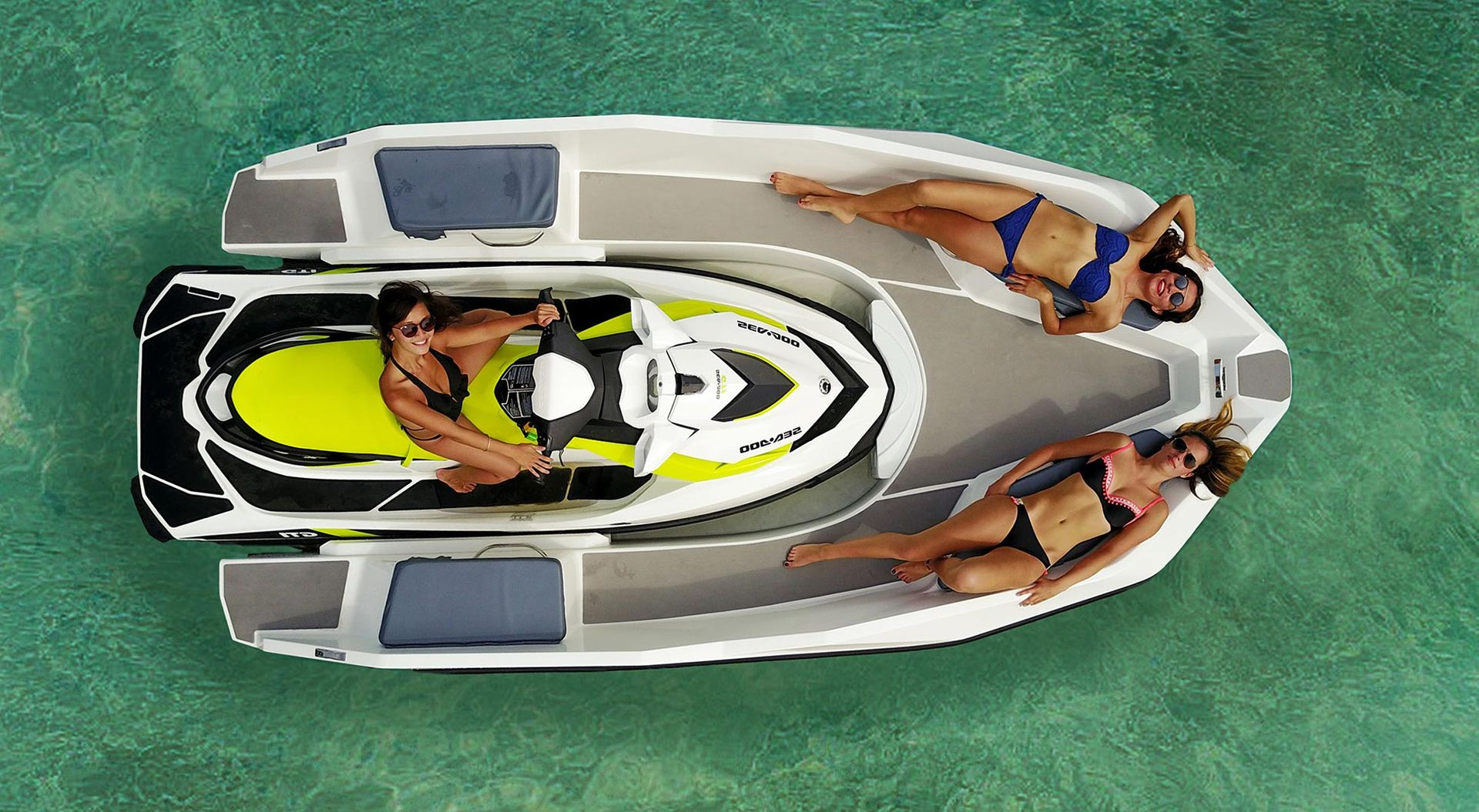 Jetski och båt i ett