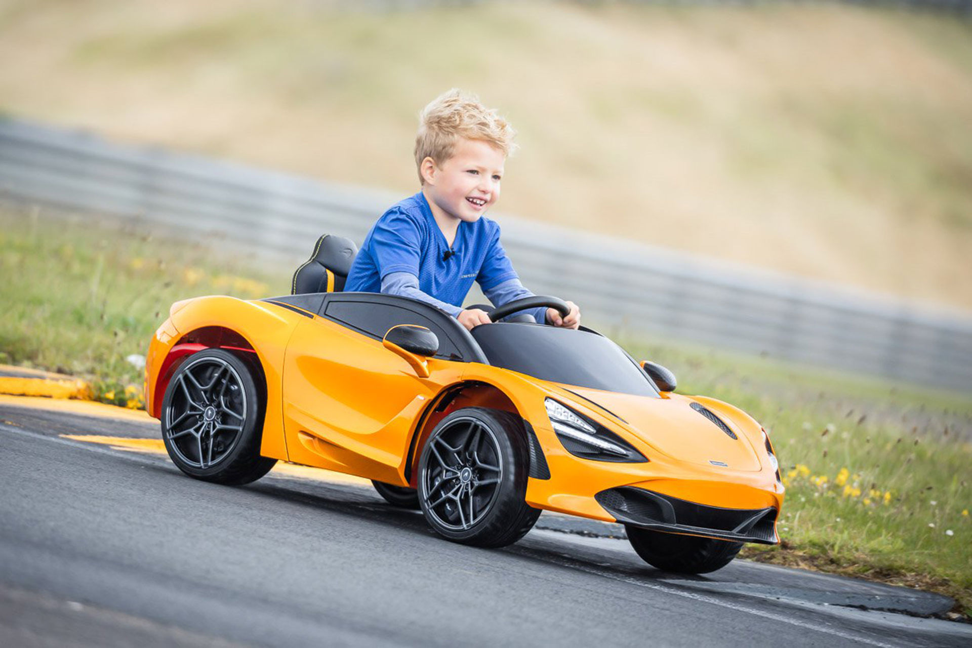 En McLaren 720S för de små