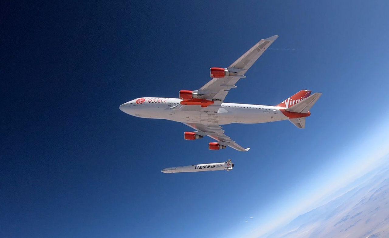 Virgin Orbit testar att släppa raket från flygplan