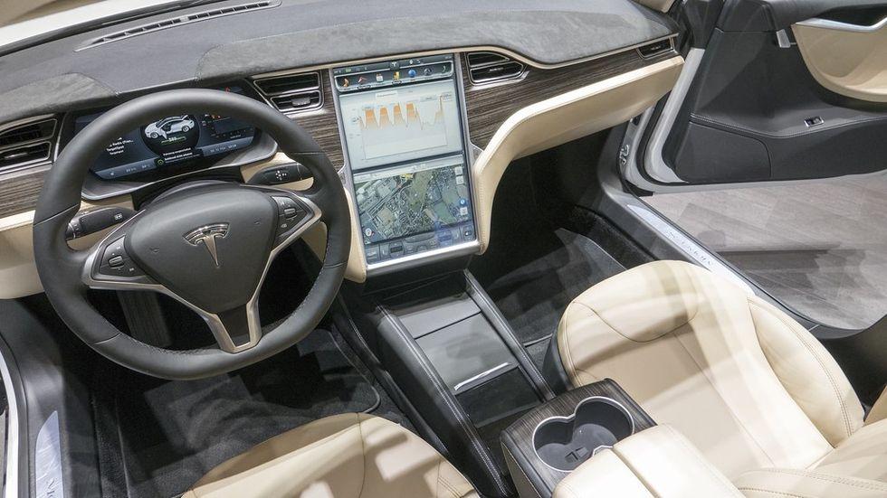 Tesla fixar en