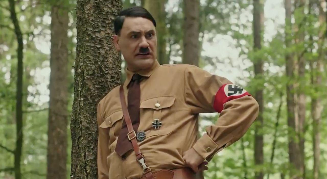 Jojo Rabbit kör Hitler-meme