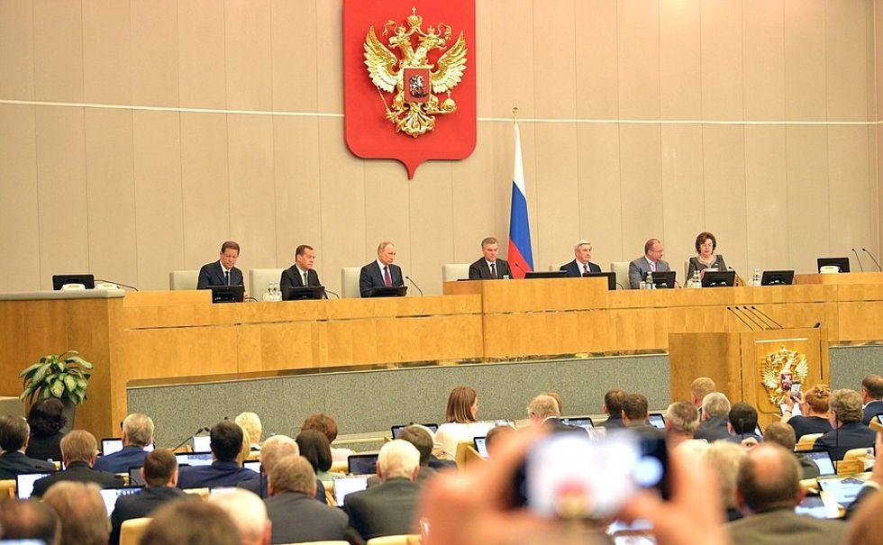 Ryssland vill kunna bötfälla medier för partiskhet