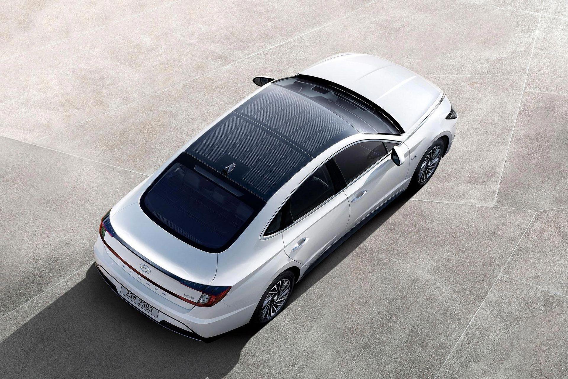 Hyundai Sonata Hybrid får solceller på taket