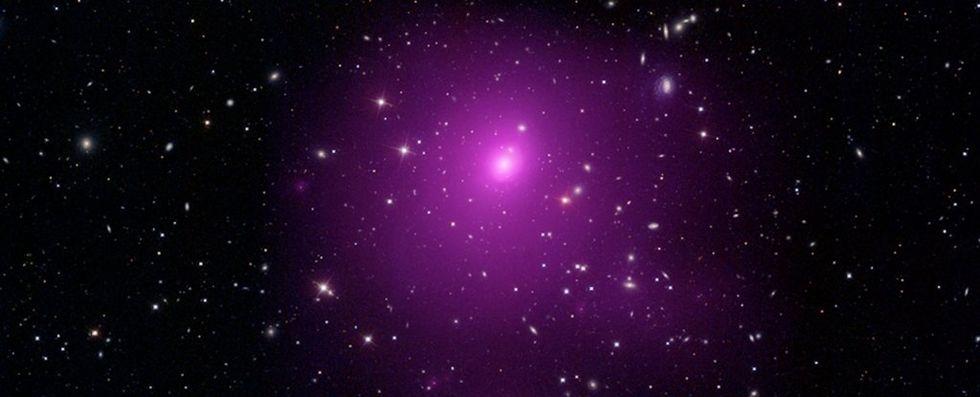 Astronomer hittar enormt supermassivt svart hål