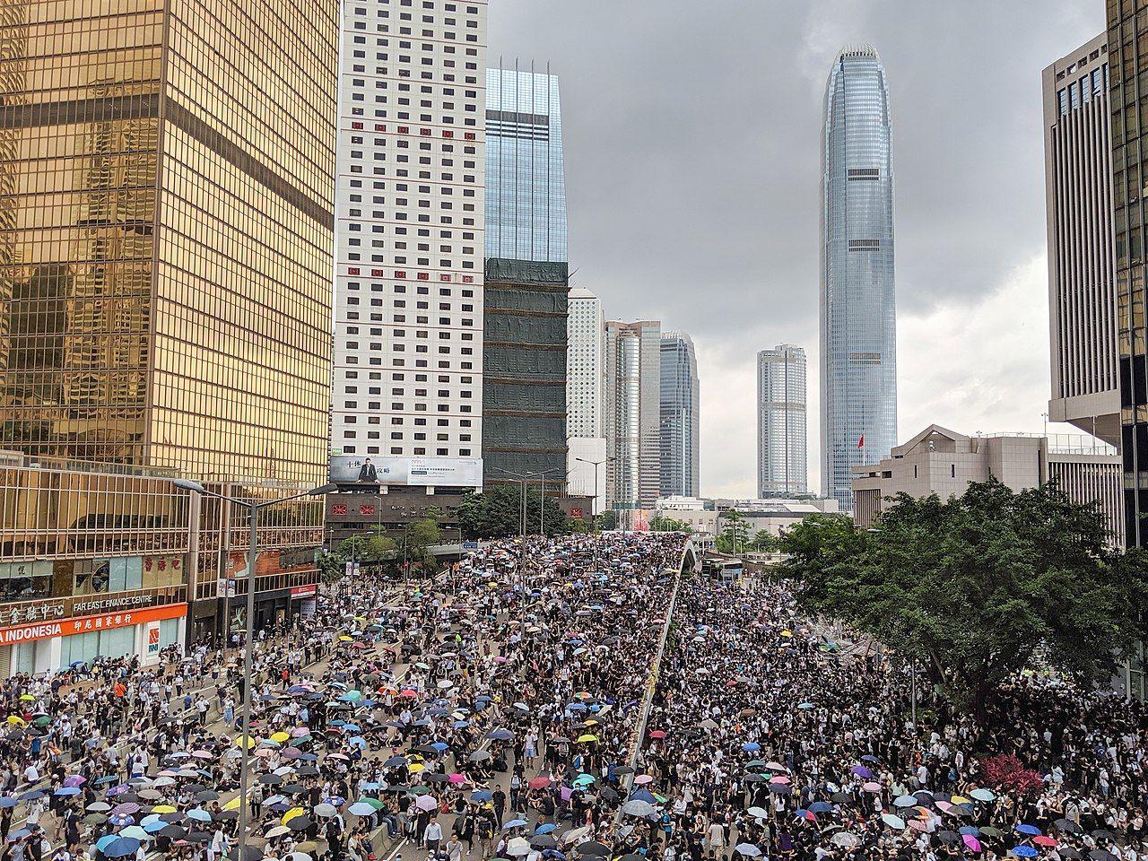 Twitter och Facebook blockerar kinesisk propaganda