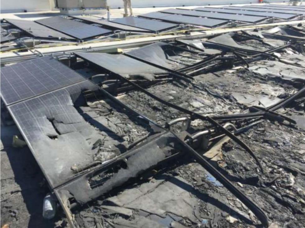 Walmart stämmer Tesla för brinnande solpaneler