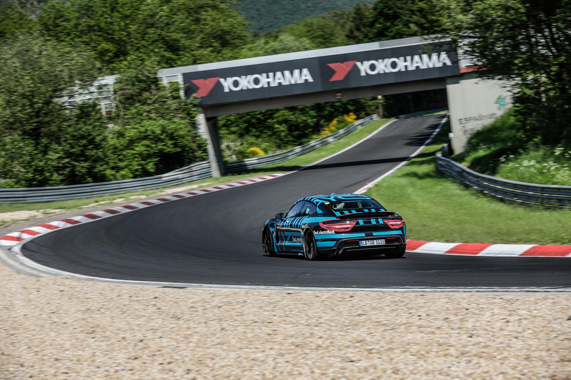 Porsche har slagit rekord på Ringen med Taycan