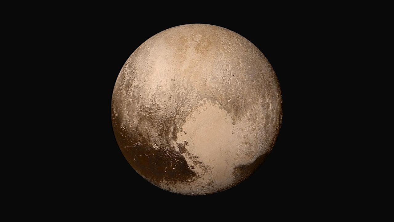 NASA:s chef anser att Pluto är en planet