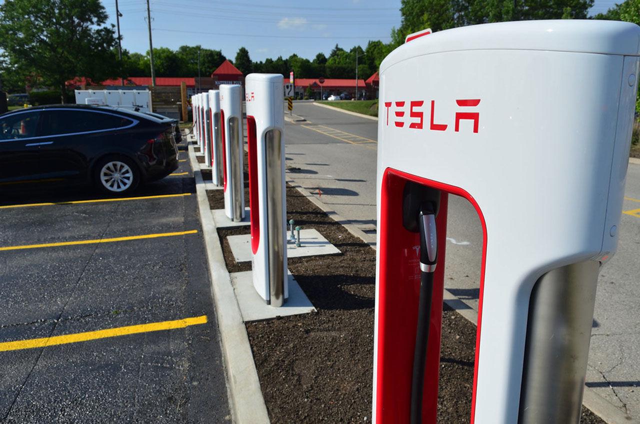 Teslas Superchargers får mer effekt i Europa