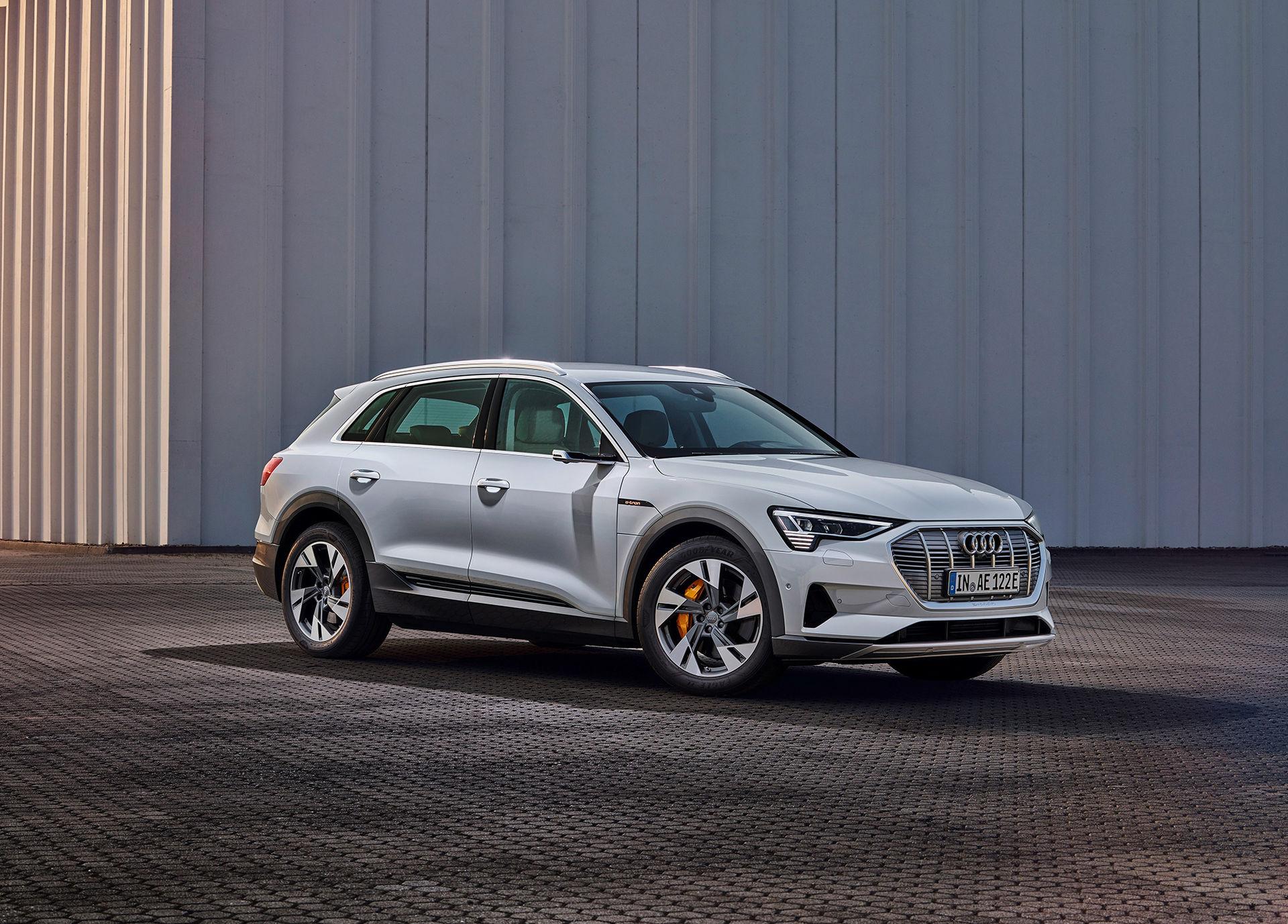 Audi e-tron 50 kostar från 695.000 kronor