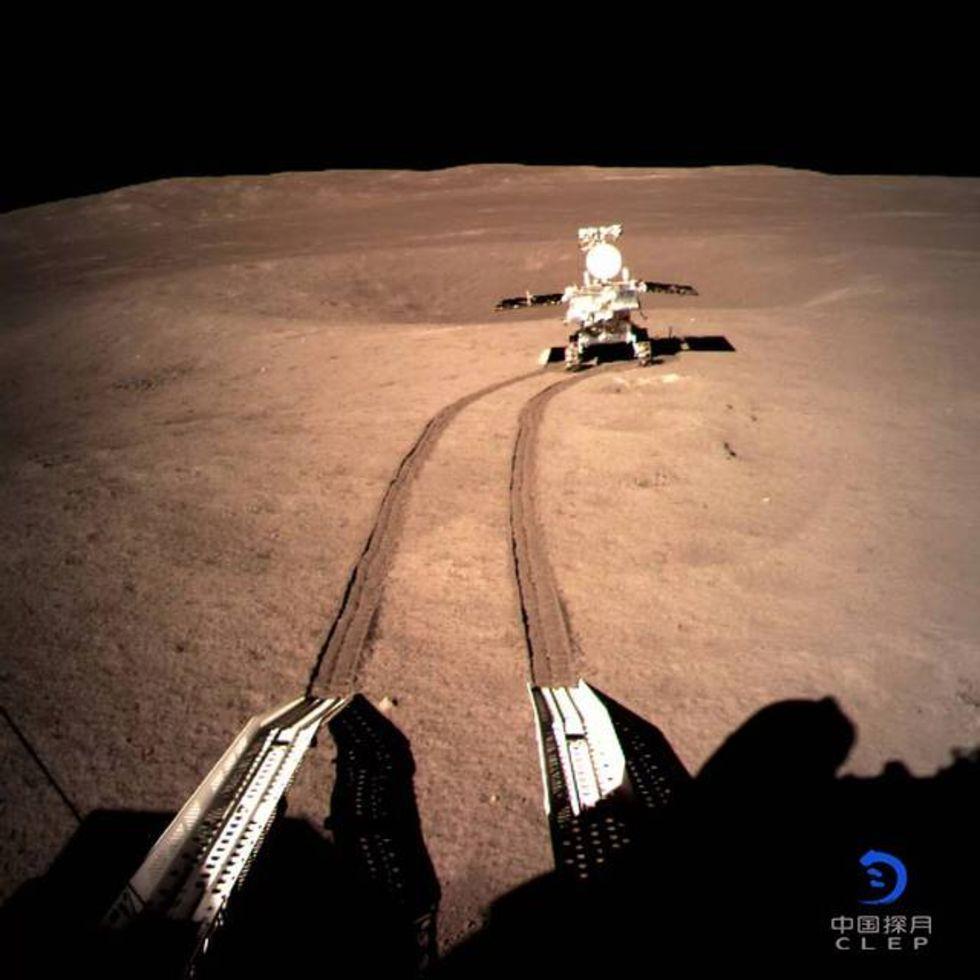 Kina har hittat något skumt på månens baksida