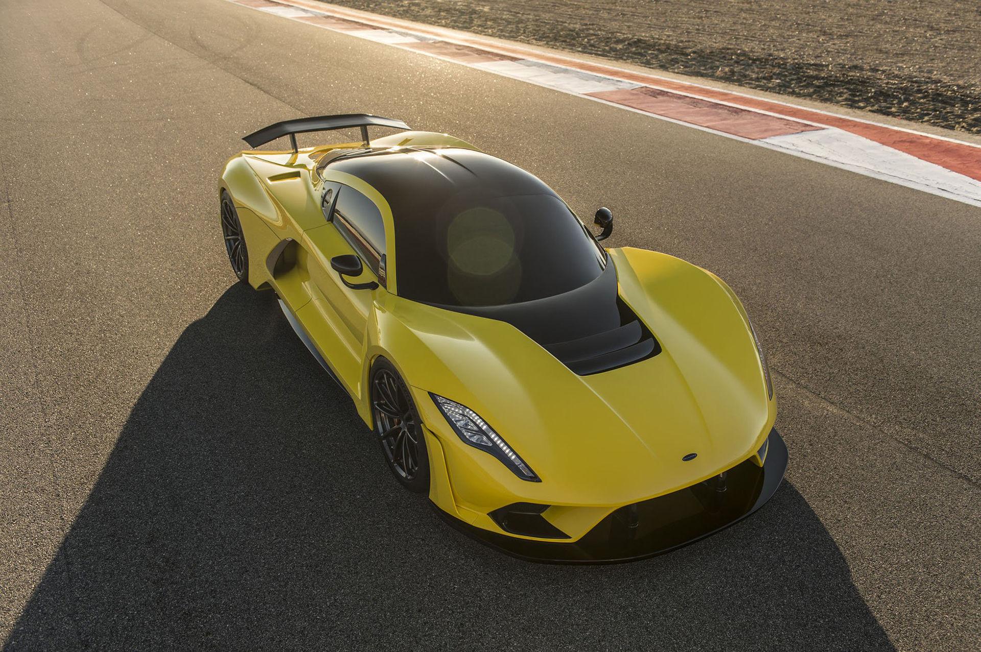 Hennessey grattar Bugatti till 490 km/h