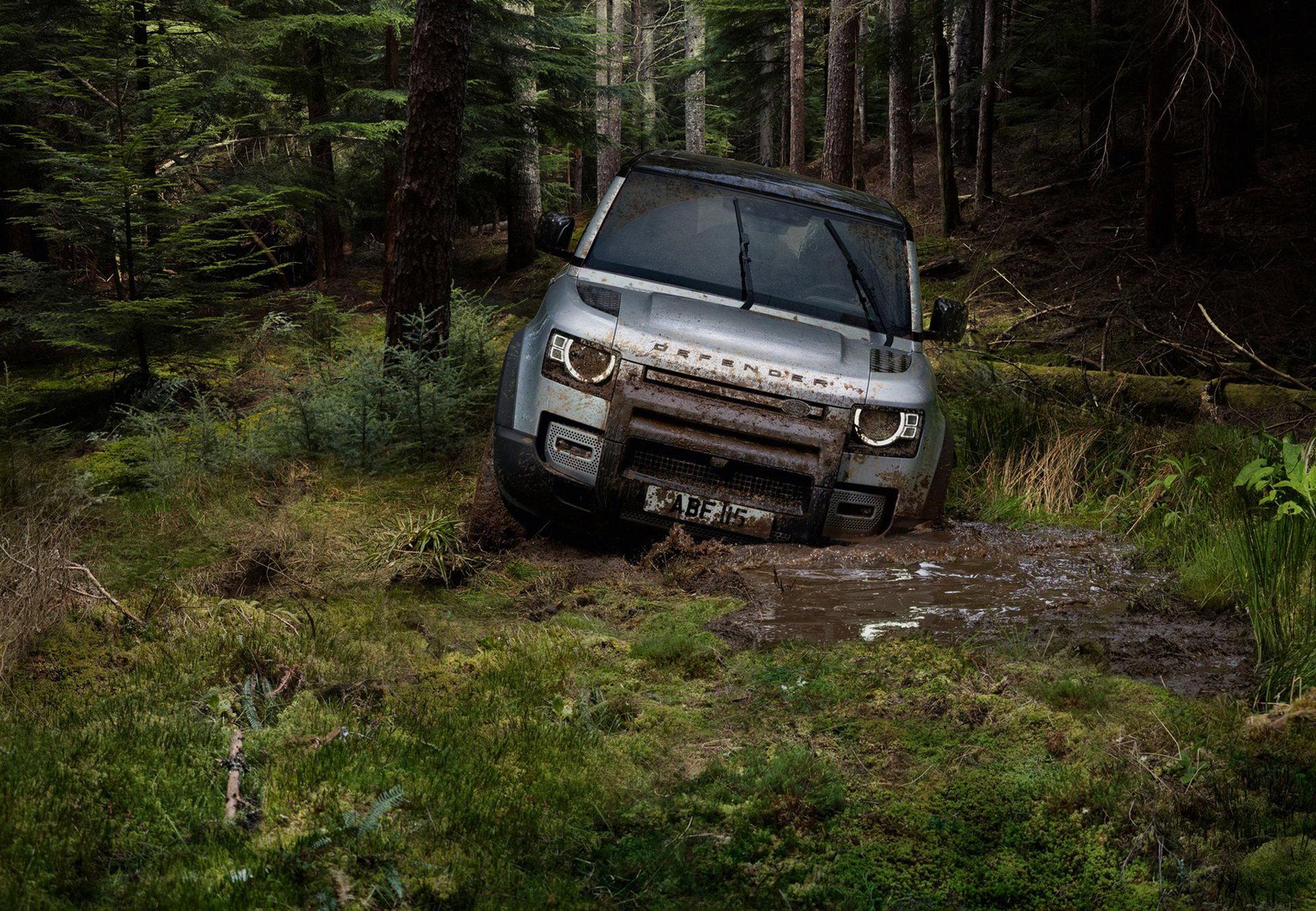 Land Rover rullar ut nya Defender
