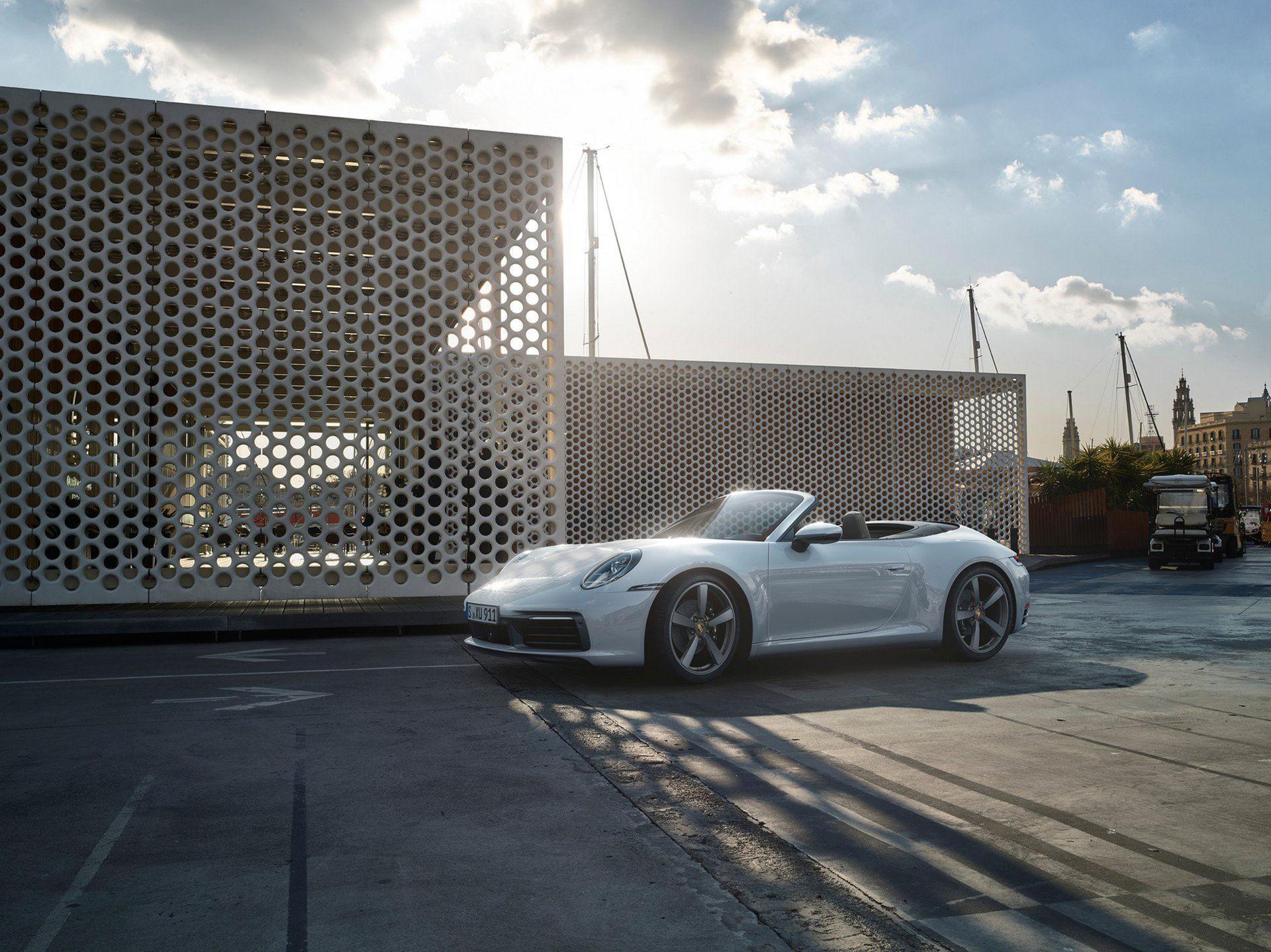 Porsche visar nya 911 Carrera 4 och 911 Carrera 4 Cabriolet
