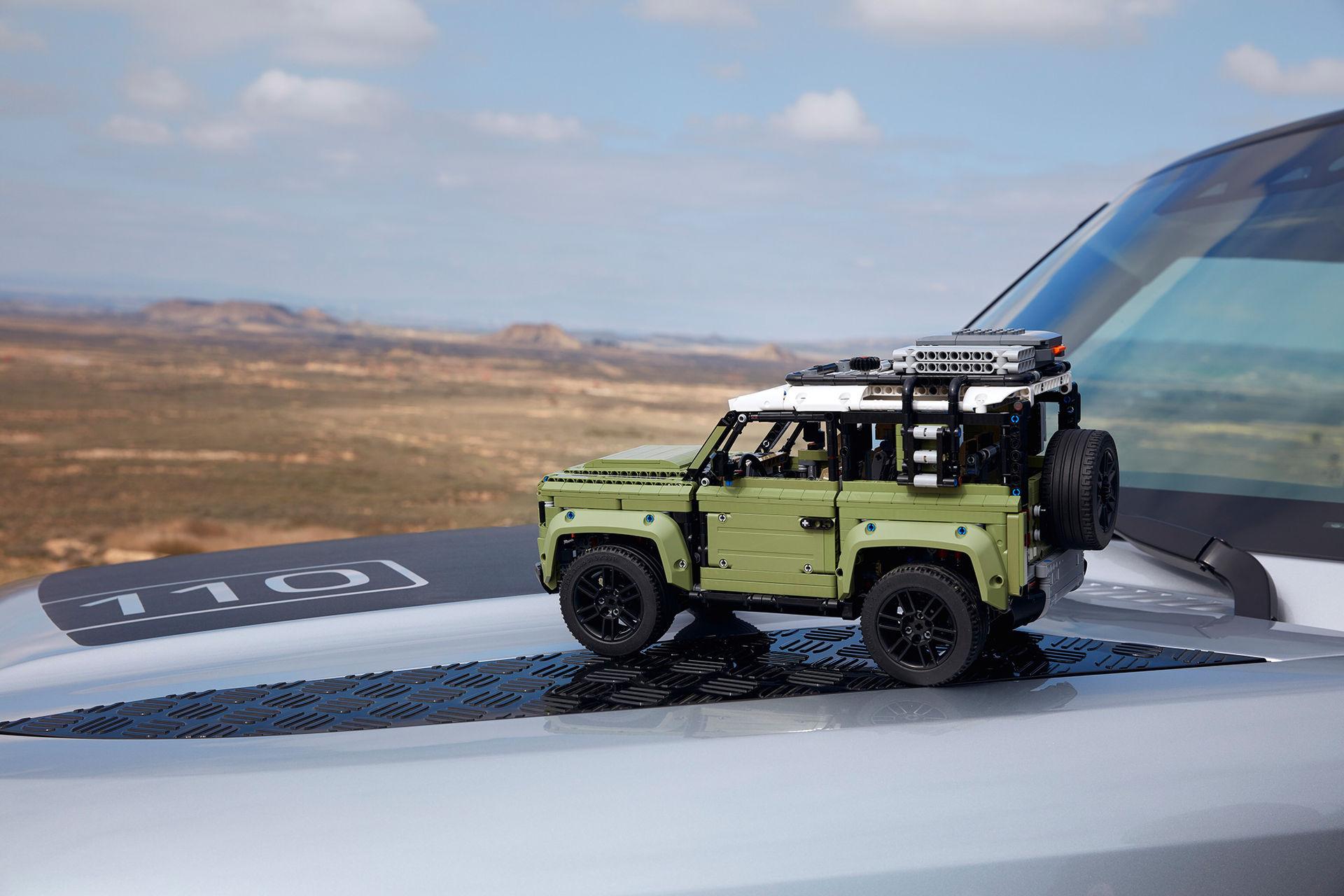 Nya Land Rover Defender i Lego