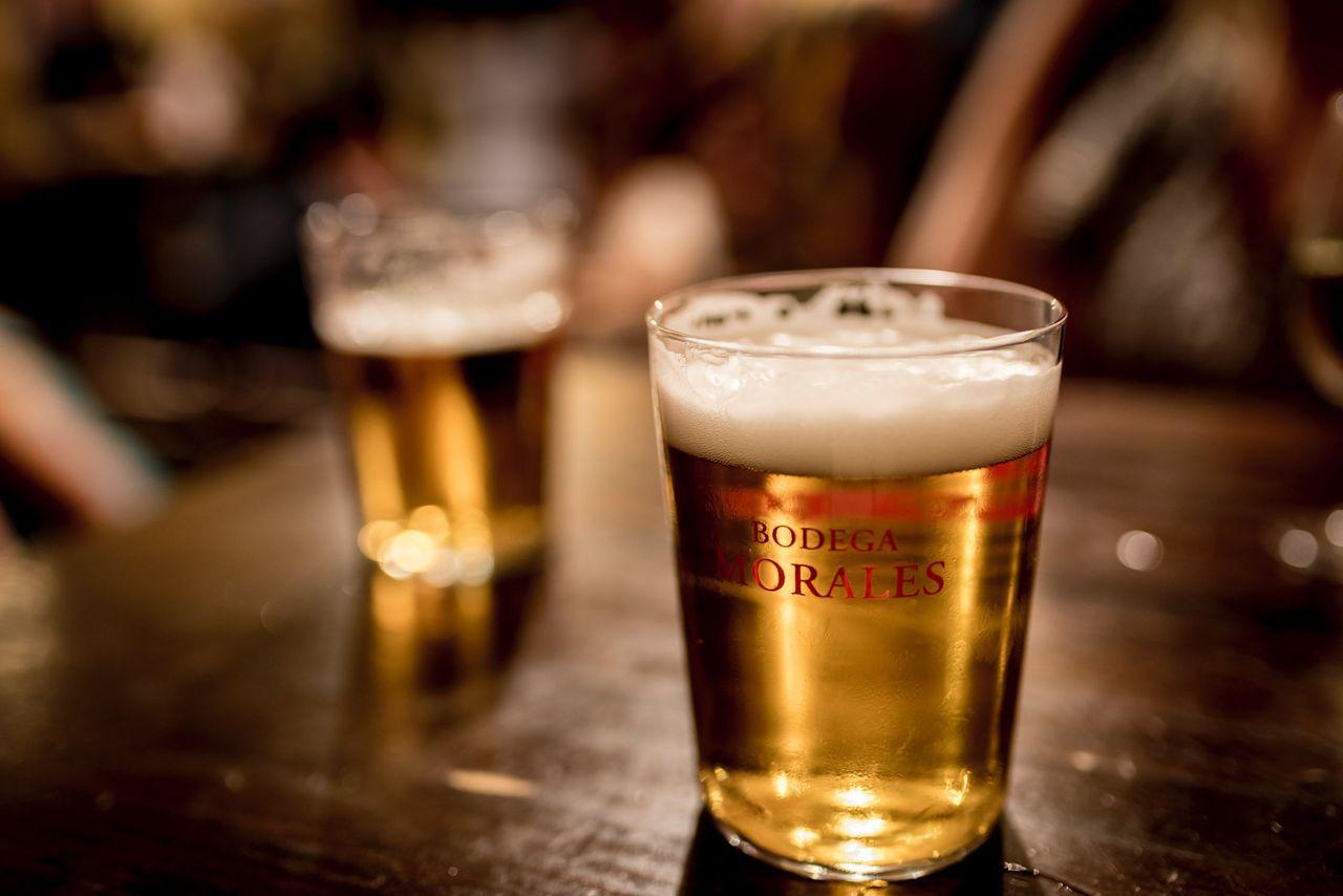 Vi fortsätter att dricka mindre alkohol